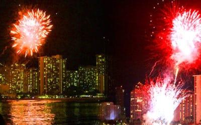 Makani Catamaran: Friday Night Fireworks Sail