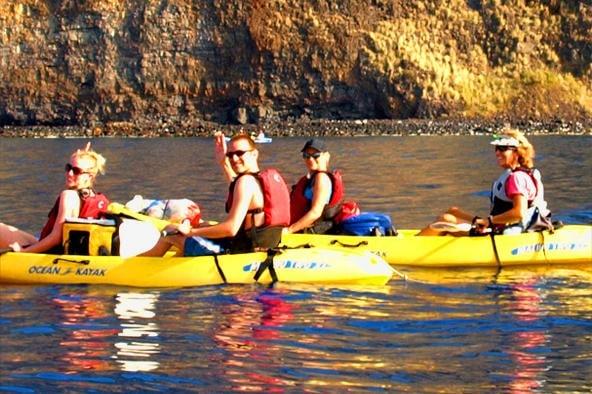 Deluxe Afternoon Kayak and Snorkel at Kealakekua Bay