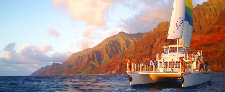 Blue Dolphin Charters – Na Pali Snorkel and Dinner Sail