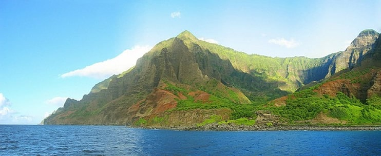 Blue Dolphin Charters – Na Pali Coast Rafting and Snorkeling