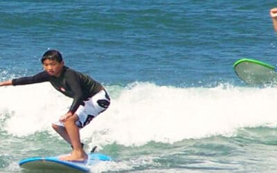 Hawaiian Surf Adventures: Surfing Lessons by Boat
