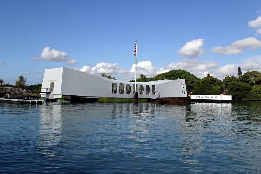 Salute to Pearl Harbor – from Waikiki   Honolulu, Oahu